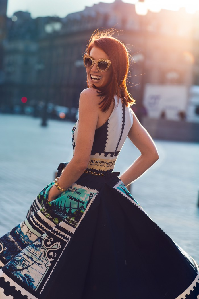 Amber Venz, Mary Katrantzou Stamp Dress, Dolce Gabbana Gold Sunglasses, Paris Fashion Week, Street Style, Top Blogger, Fashion