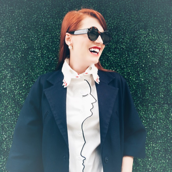 avb-navyblazer-faceblouse