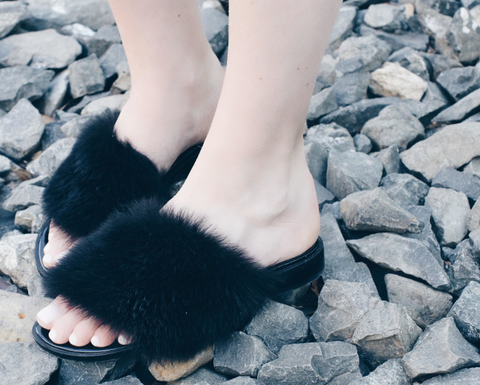 Amber-Venz-Box-Furry-Tibi-Slides