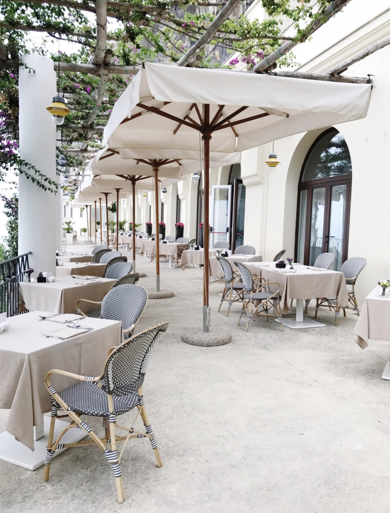 French Bistro Chairs_Venzedits