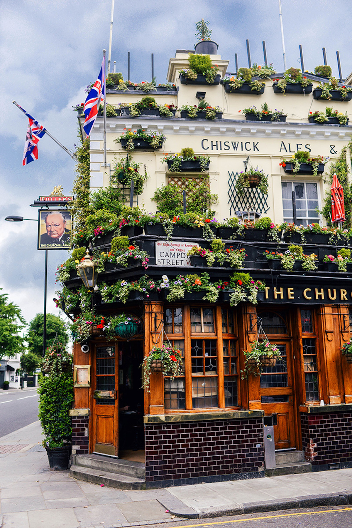 churchill-arms-london